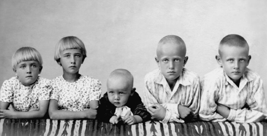 Ühe pere lapsed enne küüditamist